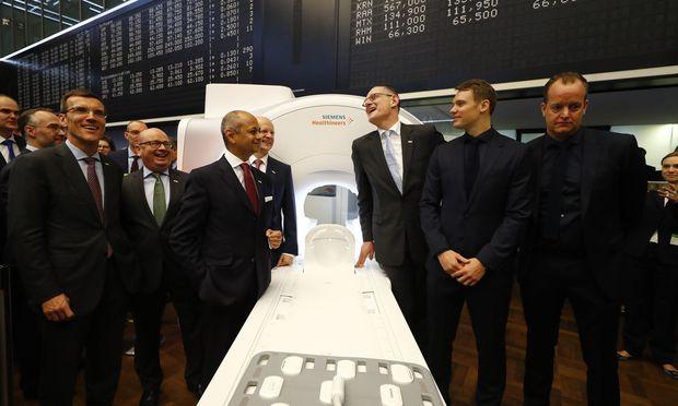 Auch der deutsche Torhüter Manuel Neuner war dabei, als die Aktie von Siemens Healthineers am 16. März zum ersten Mal gehandelt wurde.