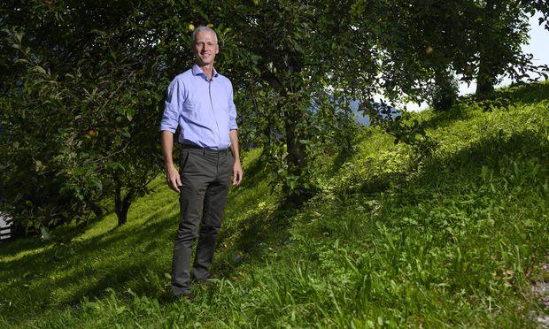 """Studiert """"intelligente Baumeister"""" wie Ameisen im Wald: Erwin Thoma."""