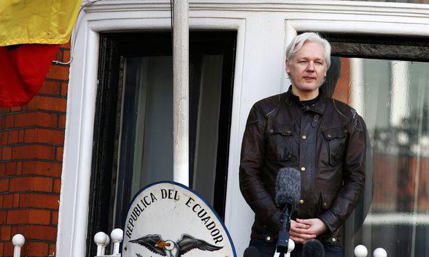 Öffentliche Auftritte auf dem Balkon: Wikileaks-Gründer Assange in der ecuadorianischen Botschaft.