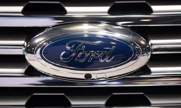 Wirtschaft Ford ruft in Deutschland knapp 190.000 Autos zurück Köln