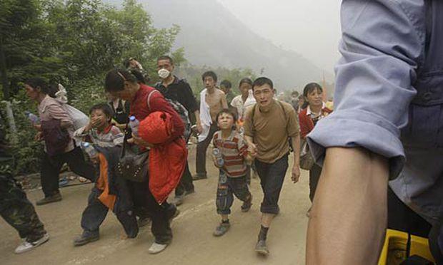 Tausende flüchten in höher gelegene Gebiete.