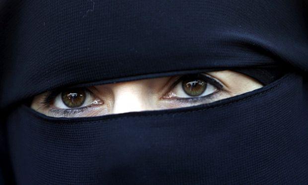 Burka Steuer Muslimen droht