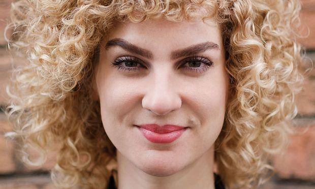 """""""Die meisten wollen nicht gleich sein, sie wollen sich unterscheiden und abgrenzen"""", Laura Wiesböck, Soziologin, Universität Wien."""