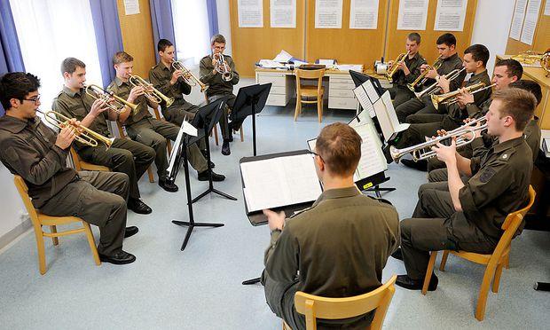 Militärmusik darf (fast) in alter Form weiterspielen