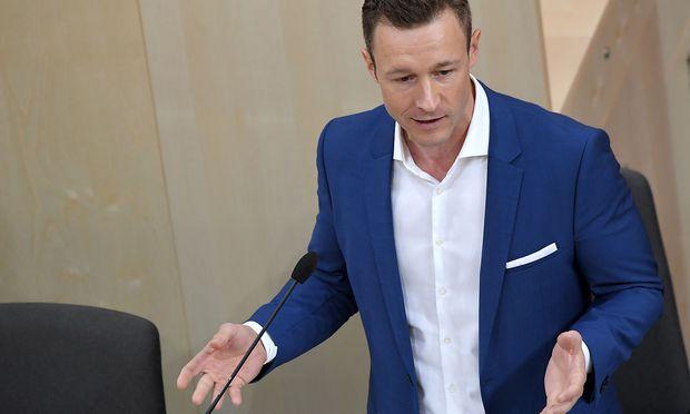 Gernot Blümel (ÖVP) wolle sich an der Debatte Vilimsky-Juncker nicht beteiligen.