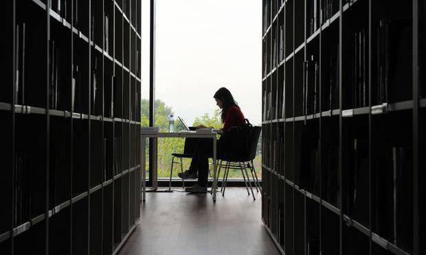 Tipp von Experten für das Zeitmanagement: im Vorfeld den Ablauf des FH-Studiums genau erkunden.