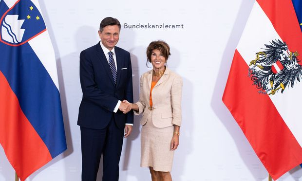 Kanzlerin Brigitte Bierlein beim Treffen mit dem slowenischen Präsidenten Borut Pahor