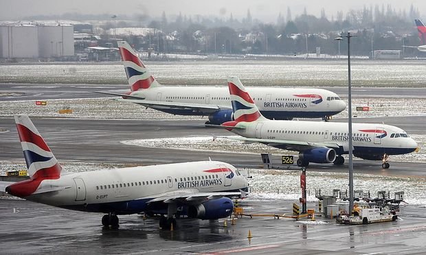 BRITAIN WEATHER SNOW STORMS TRAVEL CHAOS