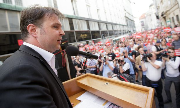 KUNDGEBUNG TRAISKIRCHNER B�RGERMEISTER GEGEN ASYL-POLITIK DER BUNDESREGIERUNG: BABLER