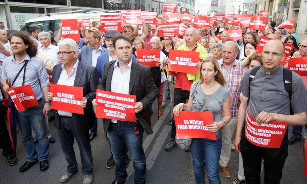 Traiskirchner demonstrieren in Wien.
