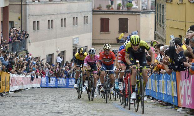 Photo Marco Alpozzi LaPresse May 16 2018 Osimo Italy Cycling Giro d Italia 2018 101th edition