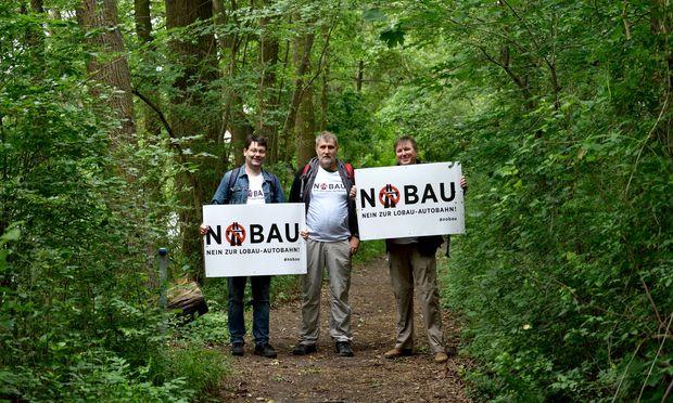 """Der Start der """"Nobau""""-Kampagne der Grünen wurde durch den Fund einer Wasserleiche überschattet."""