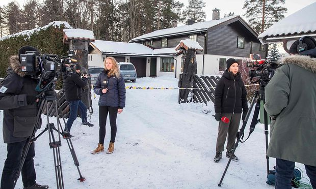 Journalisten vor dem Domizil Hagens.