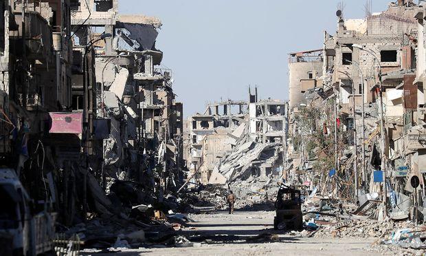 Raqqa galt als Hauptstadt des IS. Viele IS-Kämpfer dürften dank Geheimabkommen aus der Stadt geflüchtet sein.