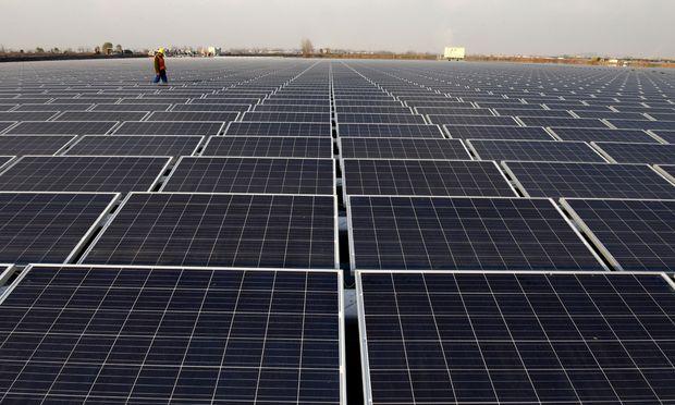 Solarkraftwerk: Leider scheint die Sonne nicht immer, wenn der Strom benötigt wird. Ohne Stromspeicher geht es nicht.