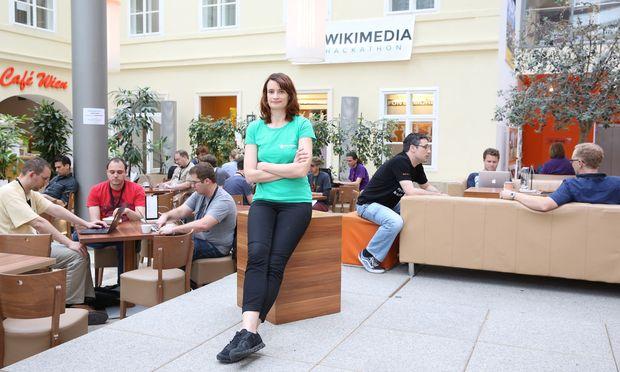 Claudia Garád, Wikimedia-Österreich-Chefin, beim Hackathon in Wien.