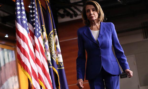 """Die Frau, die Donald Trump Paroli bietet. Nancy Pelosi ist seit Jänner Sprecherin des Repräsentantenhauses. Rund um den """"Shutdown"""" setzte sie den Präsidenten unter Druck."""