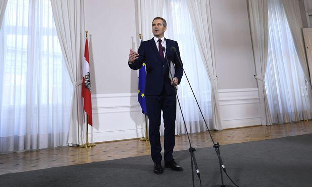 """Für Finanzminister Löger ist die Steuerreform eine """"Entlastung mit Hausverstand""""."""