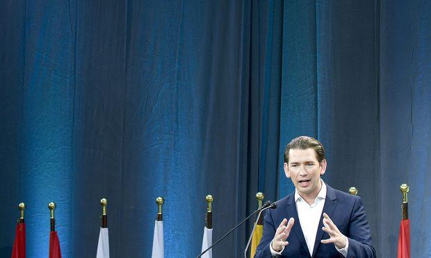 """Kurz widmete einen Teil seiner Ansprache dem """"sozialen Netz""""."""