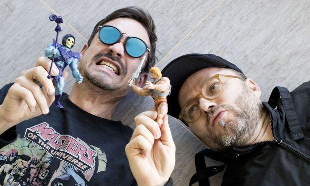 Herwig Steiner (r.) spielt immer He-Man, David Kleinl Skeletor.  / Bild: (c) Michele Pauty