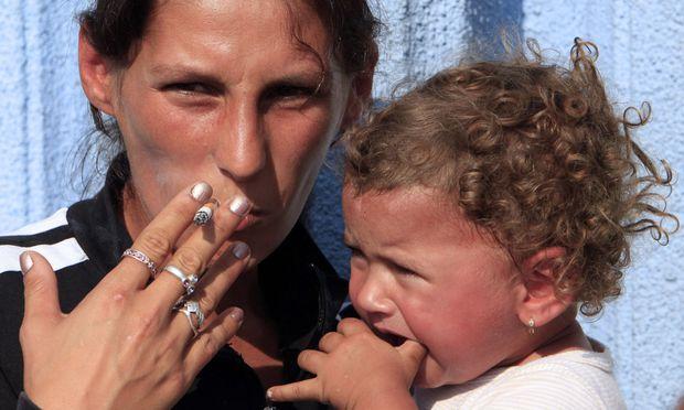 Kleine Kinder sind öfter mit ihrer Mutter zusammen und daher besonders exponiert, wenn diese raucht.