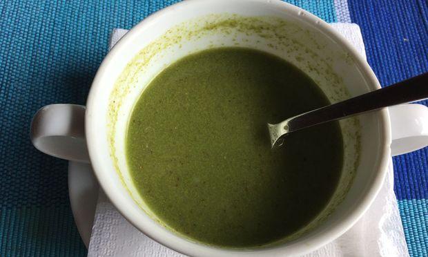 Grüne ayurvedische Suppe (die sogar gut schmeckt)