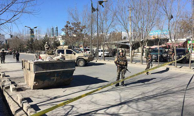 Dutzende Tote bei Anschlag in Kabul