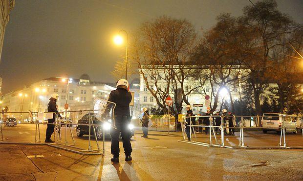 Archivbild: Demonstration gegen den Akademikerball in Wien 2014