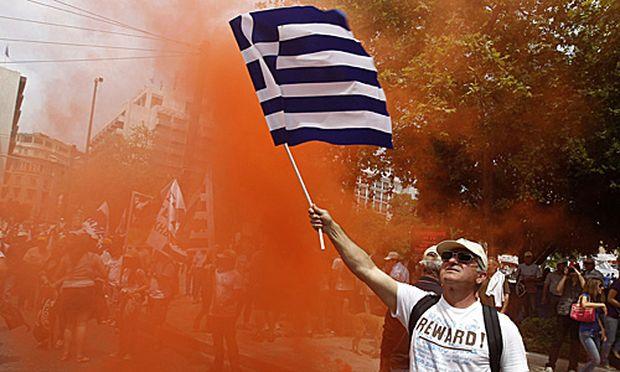 In Griechenland gehen die Proteste gegen das Sparpaket weiter.