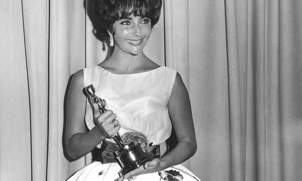 Elizabeth Taylor at the 33rd Annual Academy Awards 1961 Hollywood CA USA PUBLICATIONxINxGERxSUIxAUT / Bild: (c) imago/Cinema Publishers Collecti (The Legacy Collection)