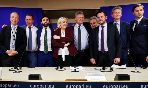 Neun Parteienvertreter stellten am Donnerstag in Brüssel ihre neue Rechtsfraktion Identität und Demokratie (ID) vor.