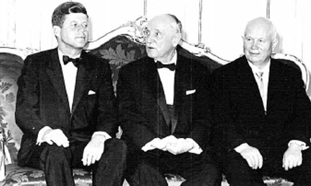 Kennedy, Schärf, Chruschtschow beim Galadiner in Schönbrunn 1961.