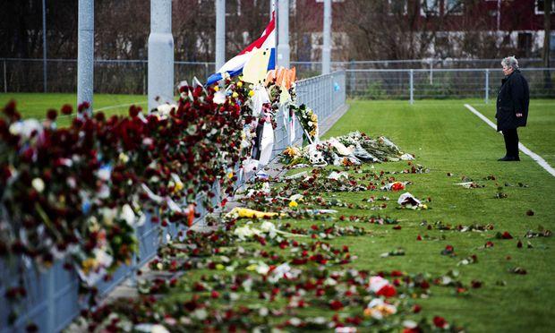 Gedenken am Fußballplatz