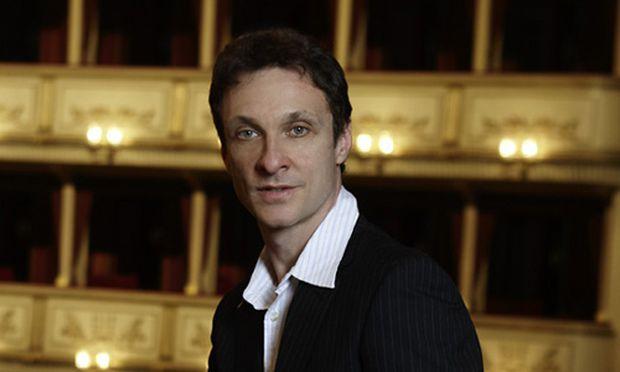 https://media.diepresse.com/images/uploads_620/e/6/1/560737/manuel_legris_staatsballettdirektor_paris_legris20100425192623.jpg