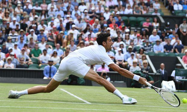 Djokovic und Federer weiter