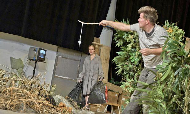 Noch ohne Kostüm und Maske: Daniel Brenna (Siegfried), Mirella Hagen (Waldvogel).