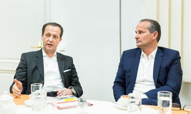 Die Billa-Chefs Robert Nagele (links) und Josef Siess wollen wissen, was ihre Kunden wollen. Daten von 4,2 Millionen Billa-Klubmitgliedern helfen.