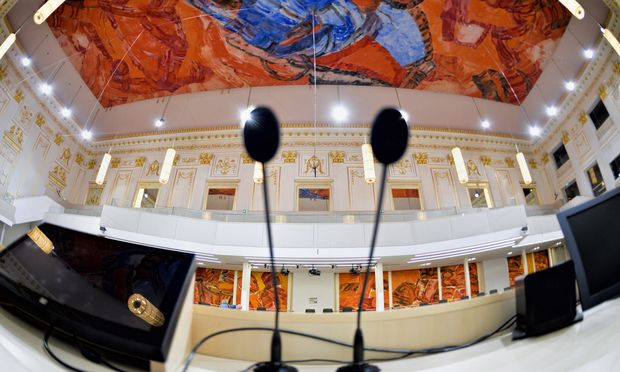 In der Hofburg konstituiert sich morgen der Nationalrat: Drei Präsidenten werden gewählt, Ausschüsse besetzt, Klubs gebildet.