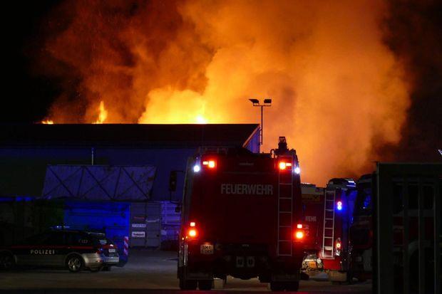 90 Feuerwehrleute im Einsatz