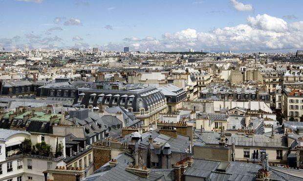 Wer Immobilien hat, ist nicht nur in Paris (Bild) fein heraußen: Die EZB sorgt dafür, dass die Preise in den Himmel steigen.