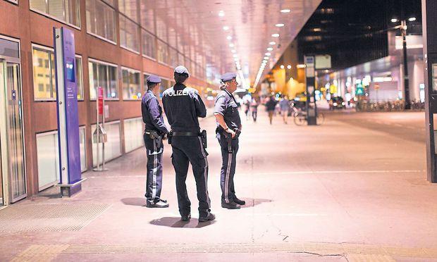 Das Gebiet um den Innsbrucker Hauptbahnhof gilt als einer der Drogen-Hotspots und wird intensiv bewacht.
