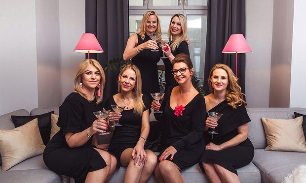 Das Wohnsalon Immobilien Team rund um Gründerin A. Kassler (2. v. l.).