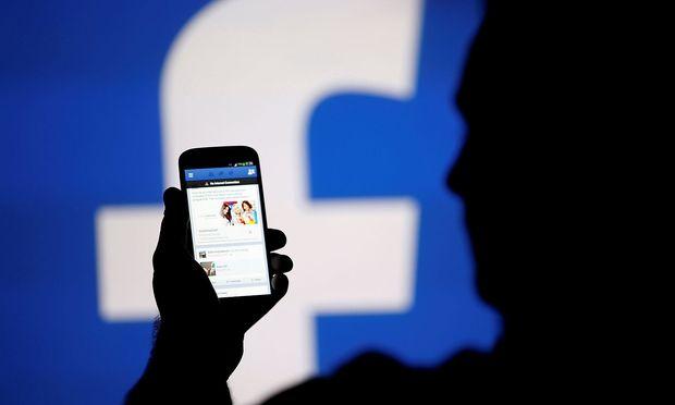 Nutzer sollen Nachrichten bei Facebook prüfen
