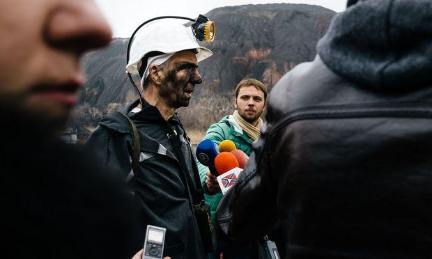 """""""Ausgezeichnete"""" Kohle: Der Bergbau im Donbass bringt keinen Gewinn mehr. Gegraben wird für den sozialen Frieden."""