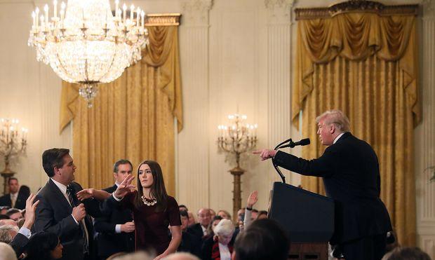 Nach Eklat auf Pressekonferenz: CNN klagt gegen Donald Trump