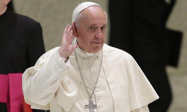 Papst Franziskus muss sich Kritik anhören.