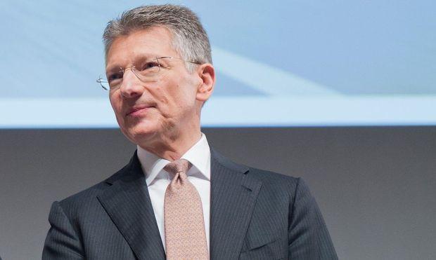 Continental-Chef Elmar Degenhart verweist bei der Elektromobilität auf enorme Investitionssummen.