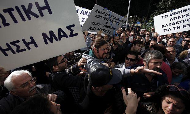 Zypern: Streit um Schuldenschnitt