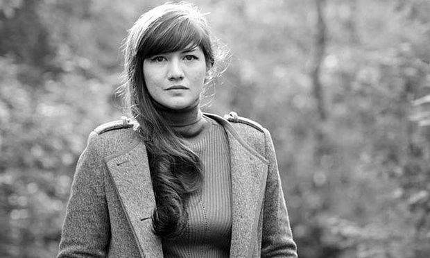 Lilian Loke, Jahrgang 1985, lebt und schreibt in München.