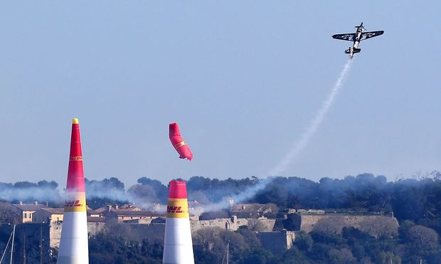 Air Race in Cannes.